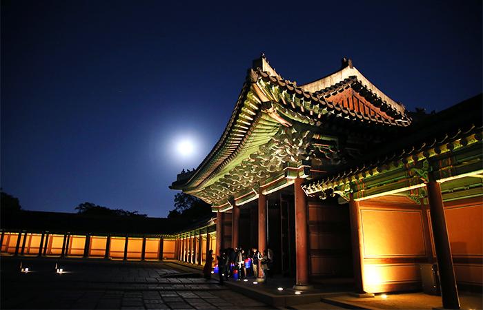 夏の夜の宮_月光が降り注ぐチャンドックン_月光紀行_昌徳宮