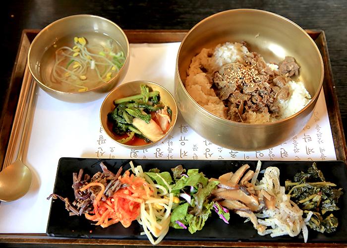 목멱산방의 대표 메뉴 비빔밥