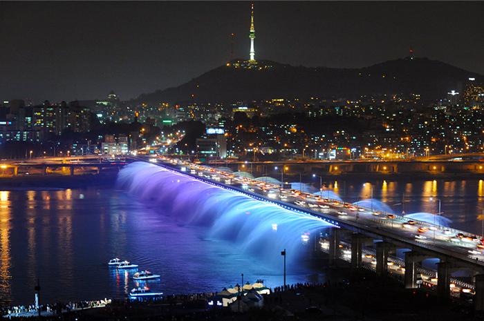 Jembatan Pelangi Banpo