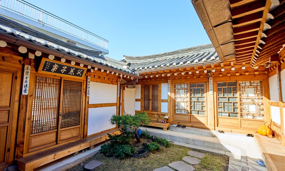 チョンヨンジェ(清縁斎)の庭
